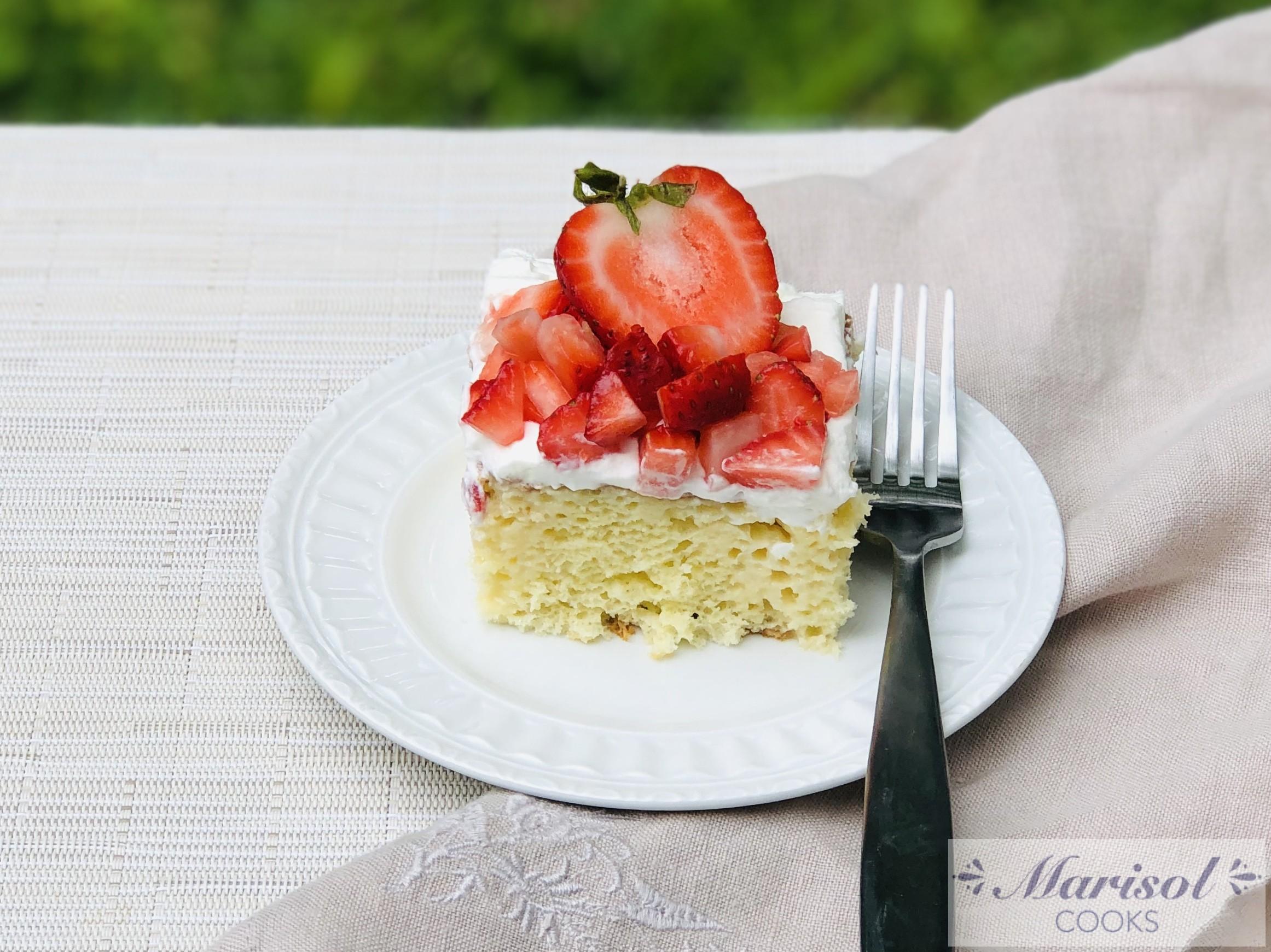 Pastel de Tres Leches/Tres Leches Cake