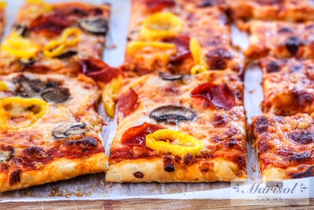 Easiest Homemade Pizza
